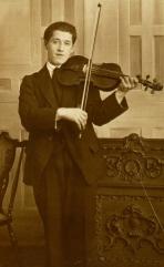Alices Dad, Phil Morrison The Violinist